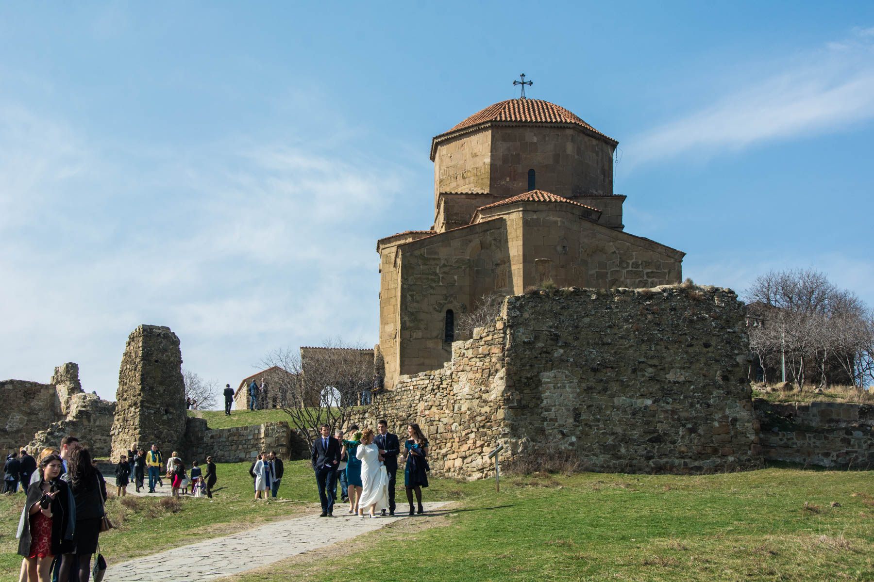 Weddings at Jvarti monastery outside Mtskheta