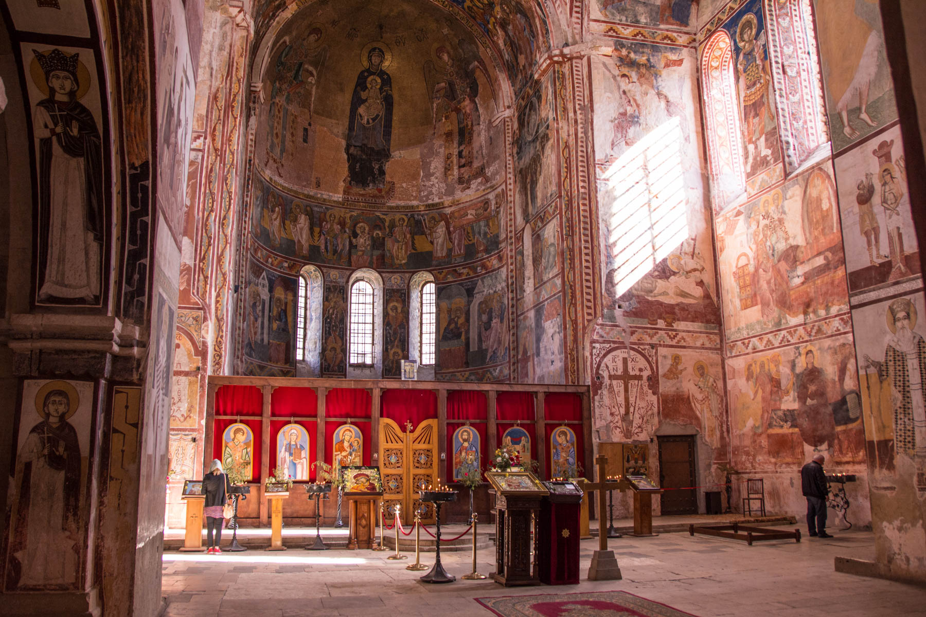 Photos to convince you to visit Georgia: The frescoes in Gelati monastery in Georgia