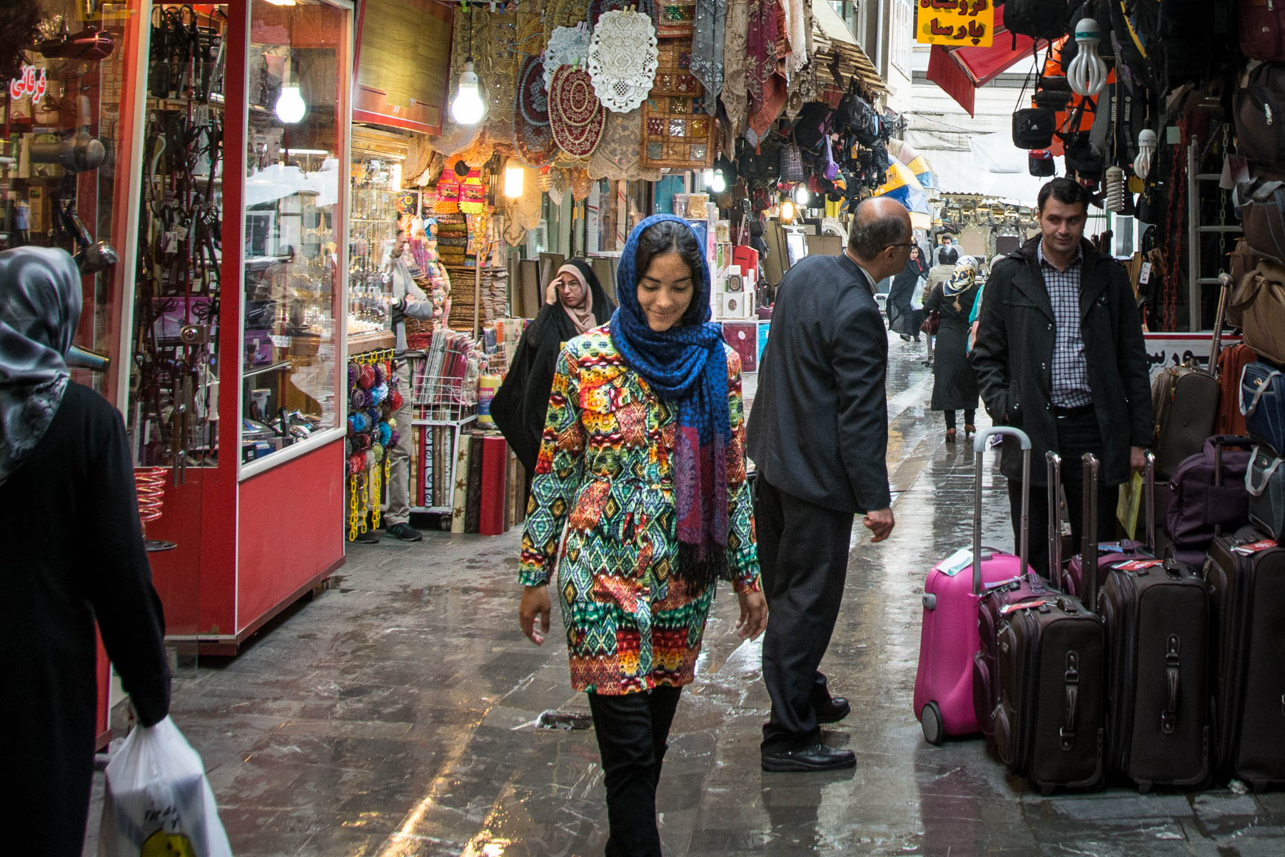 Women's travel tips for Iran: manteau is the most popular form of dress.