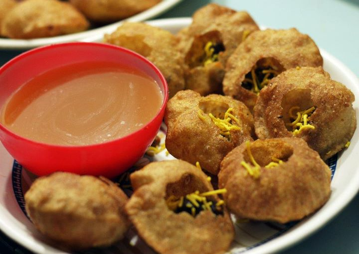 Gol gappay, a common street food in Lahore, by Shahzeb Younas