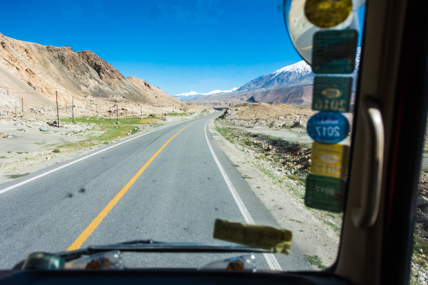 Hitchhiking from Karakul lake, China - Lost With Purpose