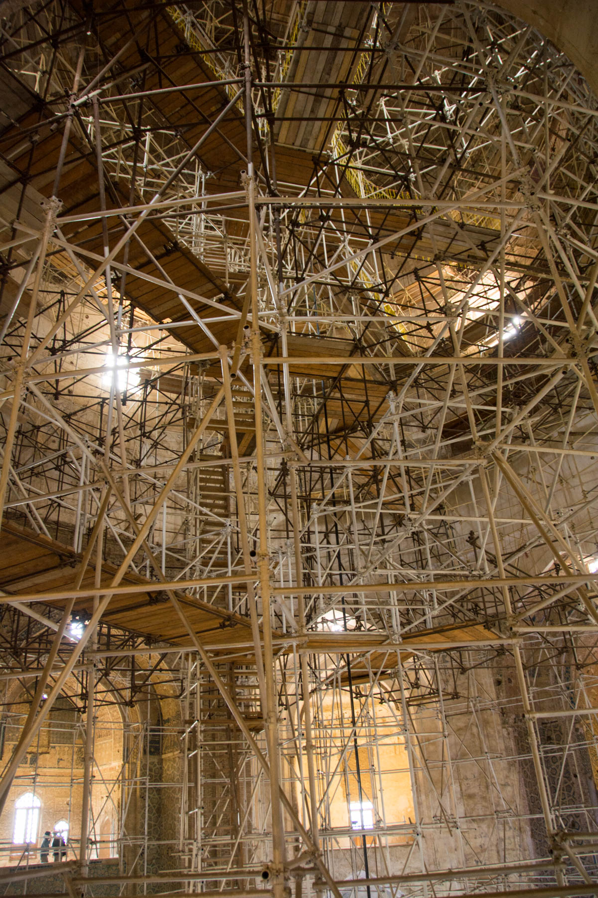 The scaffolding inside the dome of Soltaniyeh in Iran - Lost With Purpose
