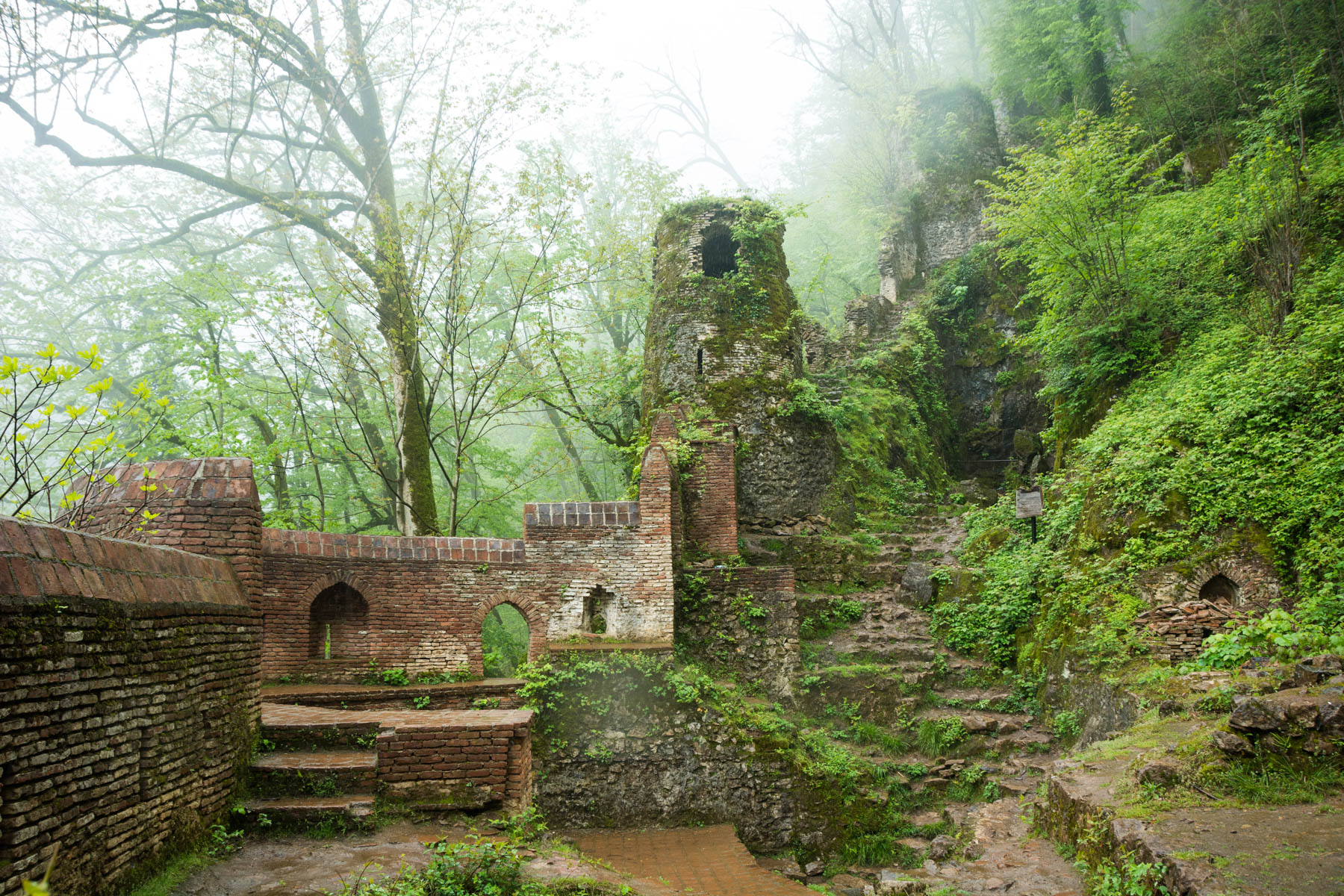 Off the beaten track highlights of Iran: Qaleh Rudkhan - Lost With Purpose