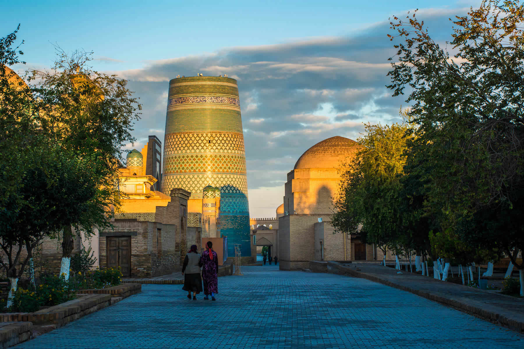 Why you need to see sunrise in Uzbekistan - Sunrise over Chor Minor in Khiva - Lost With Purpose