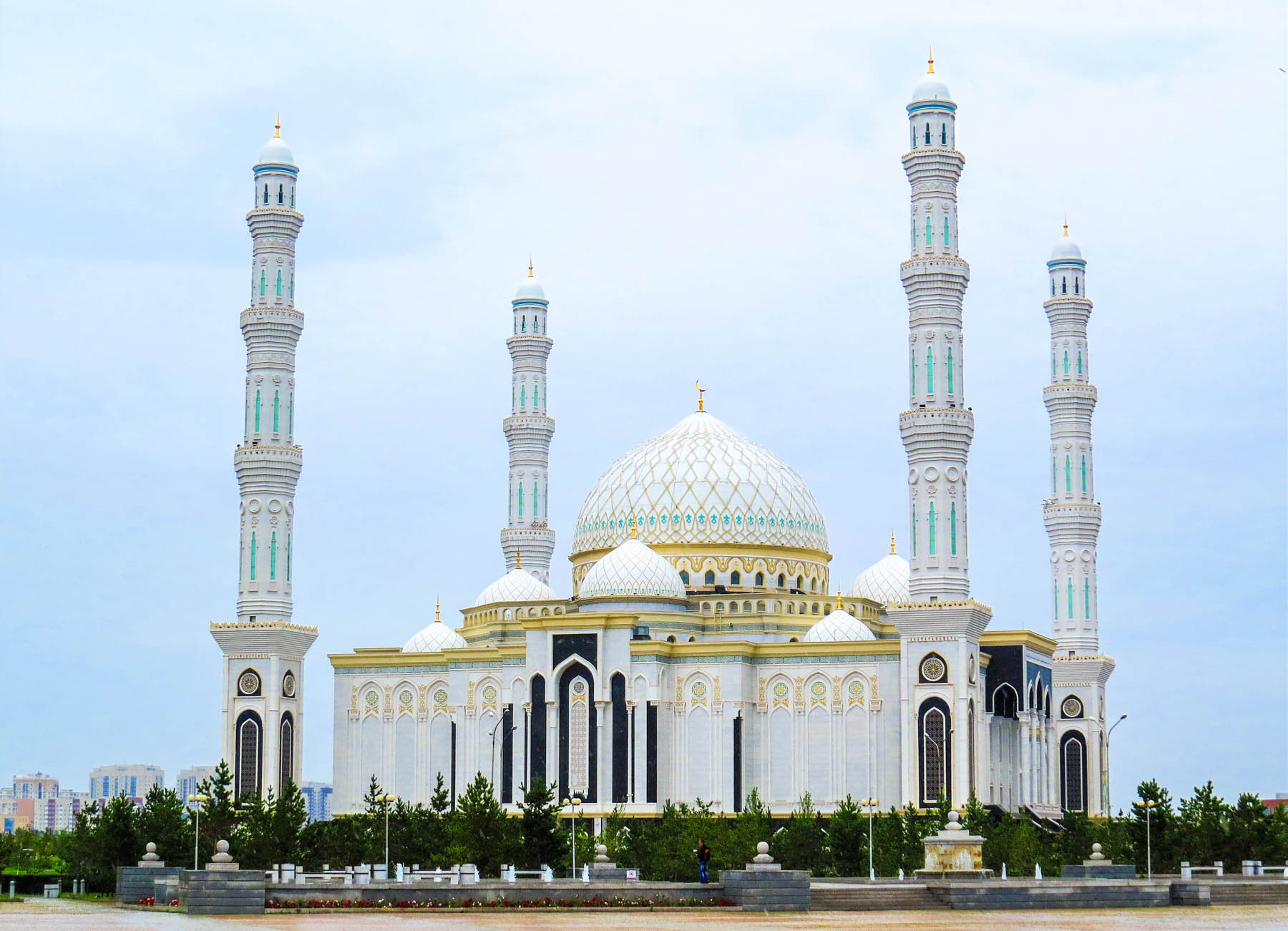 Things to do in Astana, Kazakhstan - The Hazrat Sultan mosque